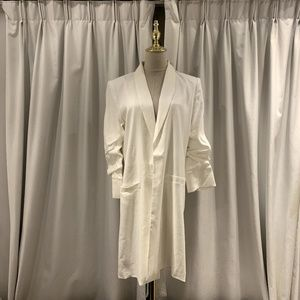 alice + olivia white linen blazer Ruched sleeves